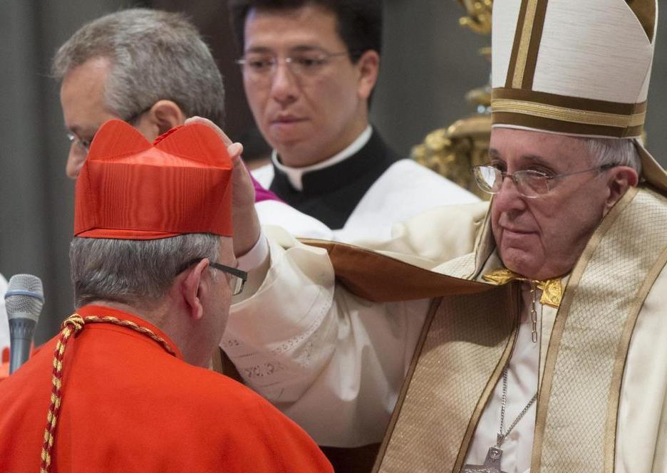 "Lusa, Cardeal-patriarca D. Manuel Clemente, a receber o ""barrete cardinalício"""