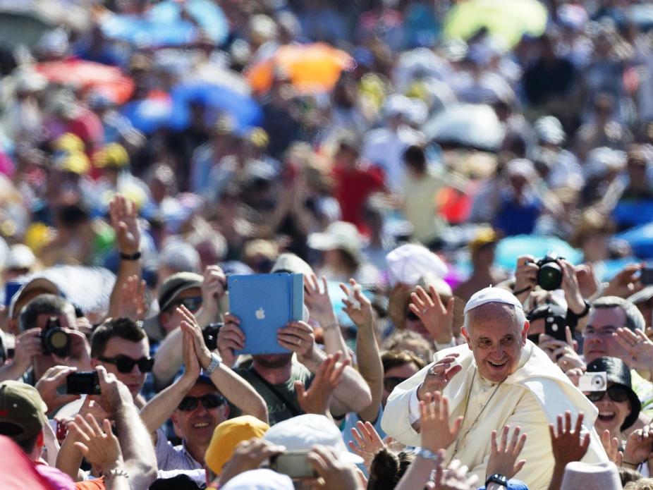 Papa Francisco na Praça de São Pedro (Lusa)