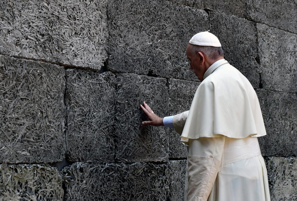 Papa Francisco em Auschwitz. Foto: Lusa
