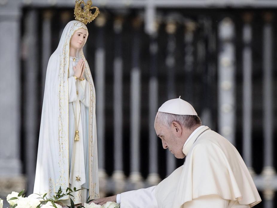 Resultado de imagem para papa francisco em fátima 2017