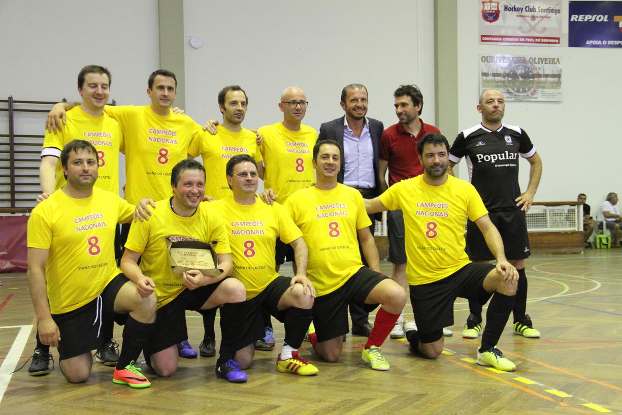 Foto: Agência Ecclesia/CB Equipa de futsal de Viana do Castelo e presidente da CM do Santiago de Cacém