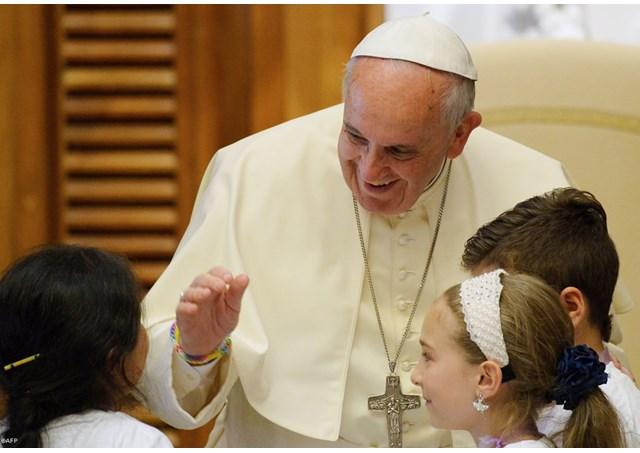 Papa Francisco e as crianças (RV)