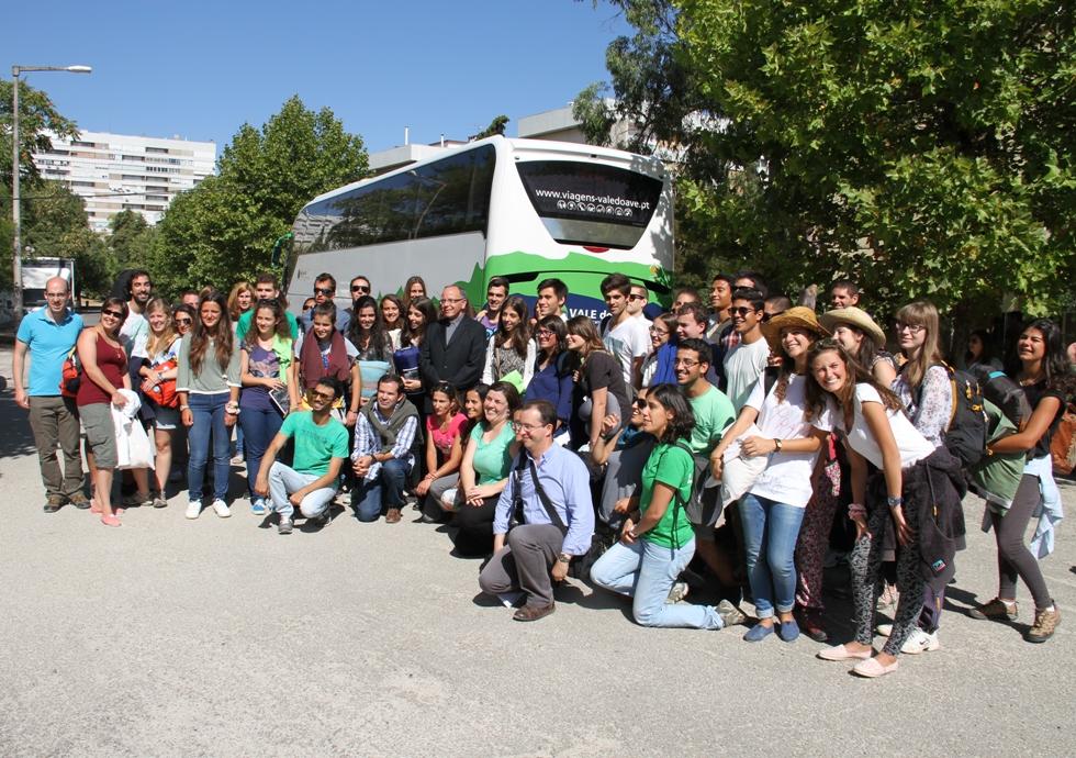 JCP/AE - D. Manuel Clemente na fotografia de grupo com os jovens que seguiram este sábado para Taizé