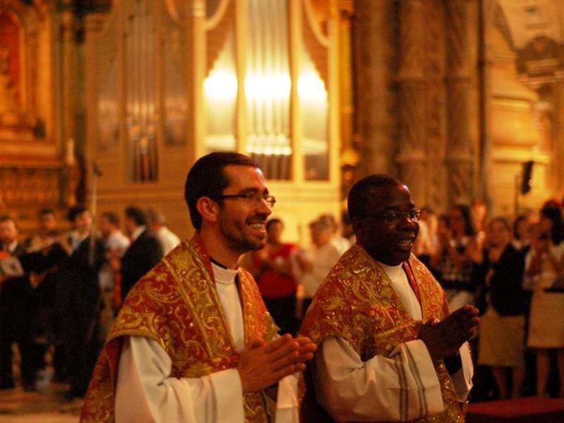 Patriarcado de Lisboa - Francisco Simões e Manuel Charumbo, dois novos sacerdotes ordenados este domingo na Sé
