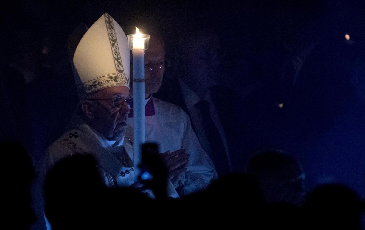 Foto Lusa, Papa Francisco, Vigília Pascal 2017