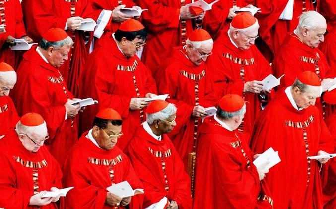 Vaticano: Papa altera estrutura do Colégio Cardinalício