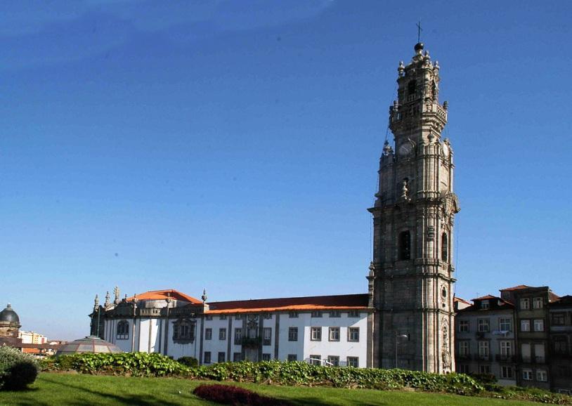 Porto: Irmandade da Torre dos Clérigos angariou mais de 17 mil e 700 euros para Hospital Pedro Hispano