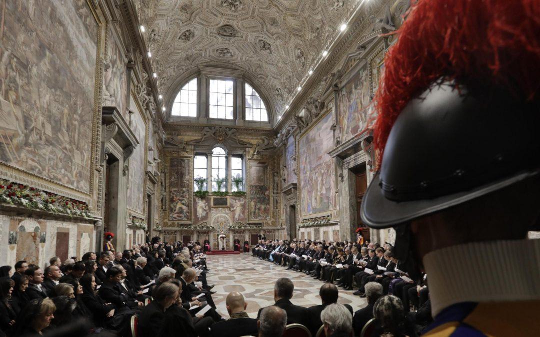 Vaticano: «A paz consolida-se quando as Nações se puderem relacionar em clima de igualdade» – Papa Francisco