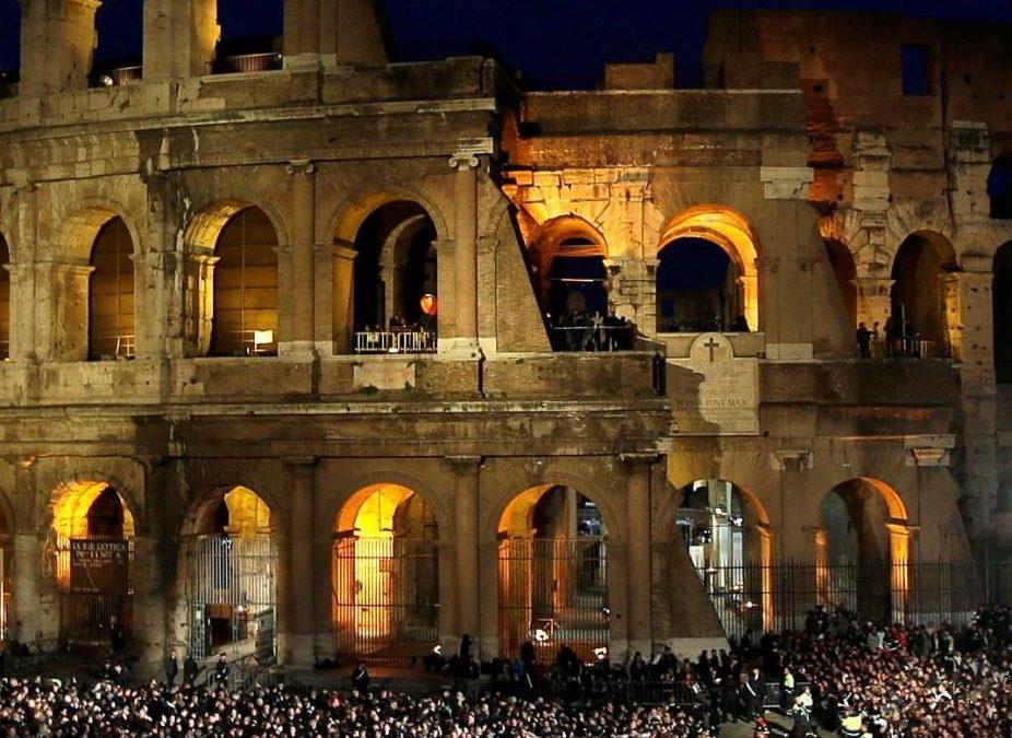 Vaticano: Jovens vão escrever meditações da Via-Sacra do Coliseu