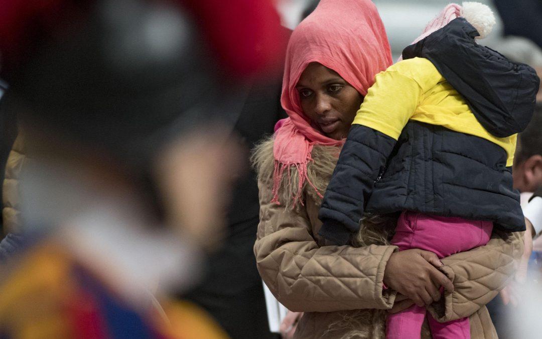 Vaticano: Papa quer respostas adequadas e eficazes aos desafios junto dos migrantes