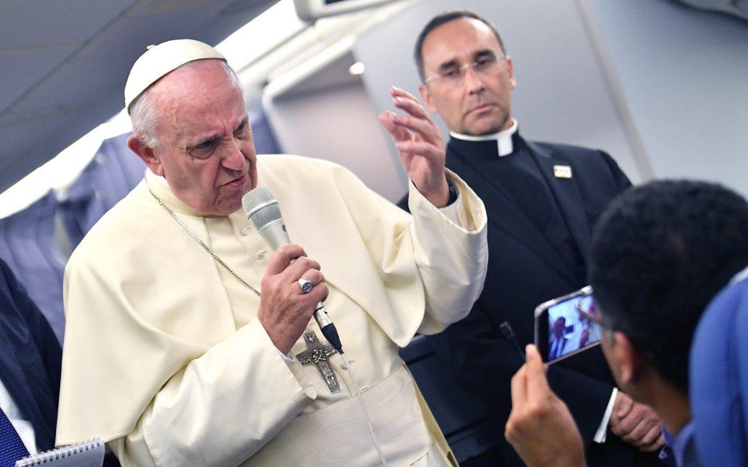 Igreja/Media: Vaticano apresenta mensagem do Papa sobre «fake news»