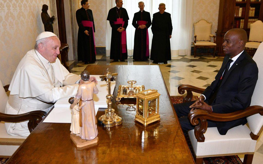 Vaticano: Papa recebeu presidente do Haiti