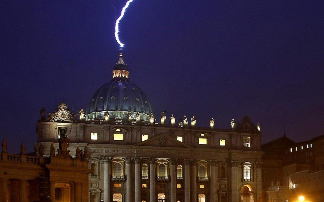 Renúncia de Bento XVI, o relâmpago que apanhou a Igreja de surpresa