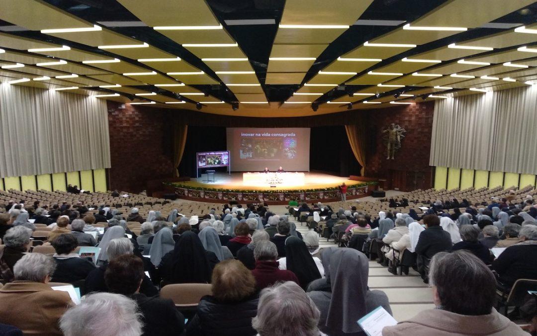 Vida Consagrada: Há congregações religiosas com linguagem, estilo e organização «tão jurássica» – Presidente da CIRP