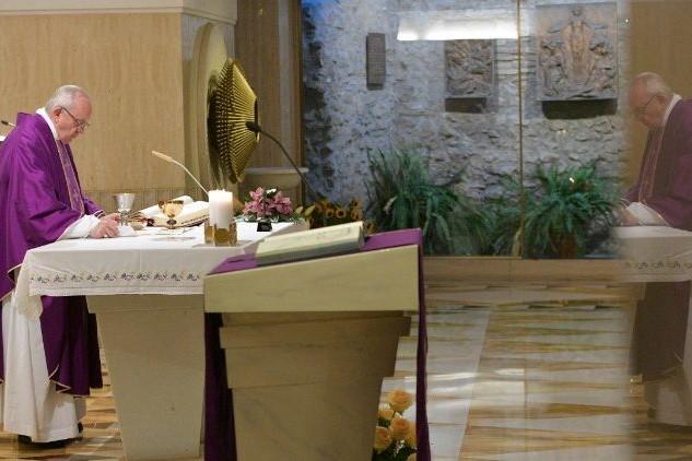 Vaticano: Papa critica religiosidade de aparência