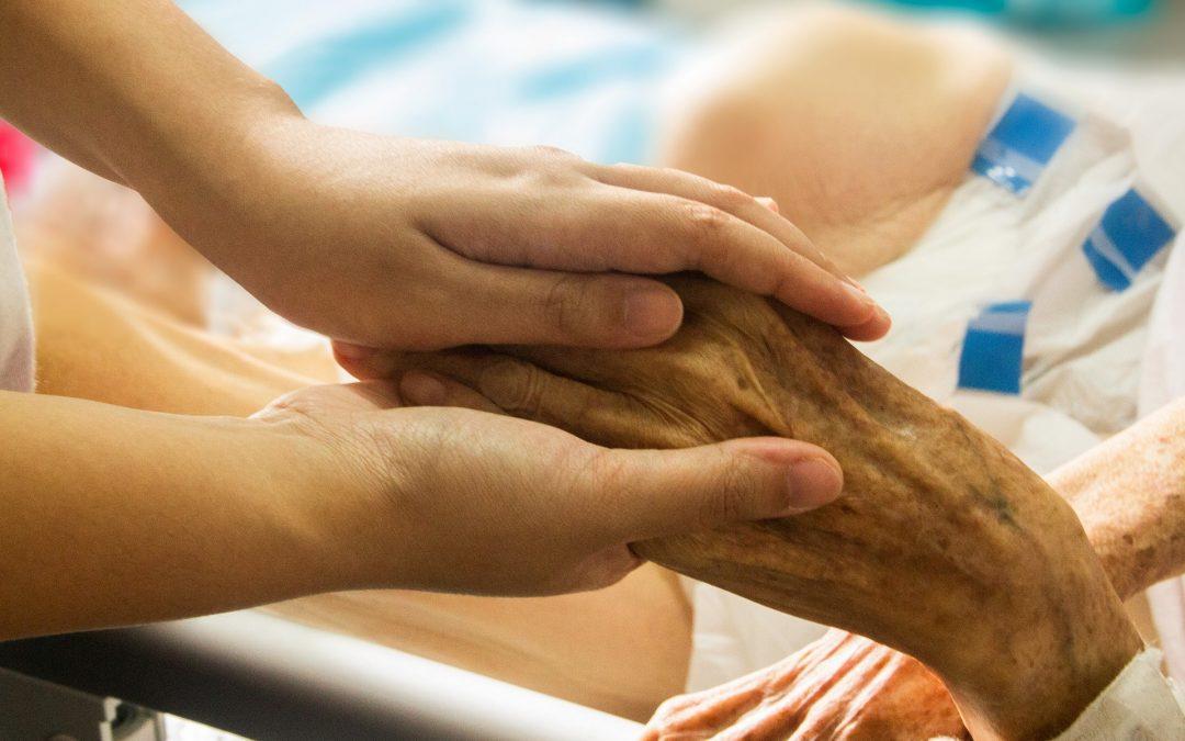 Algarve: Cuidados paliativos chegam apenas a 17% das pessoas necessitadas