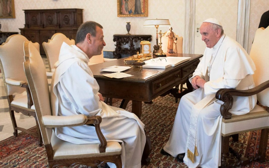 Ecumenismo: Prior de Taizé visitou Papa Francisco, em encontro dedicado aos jovens