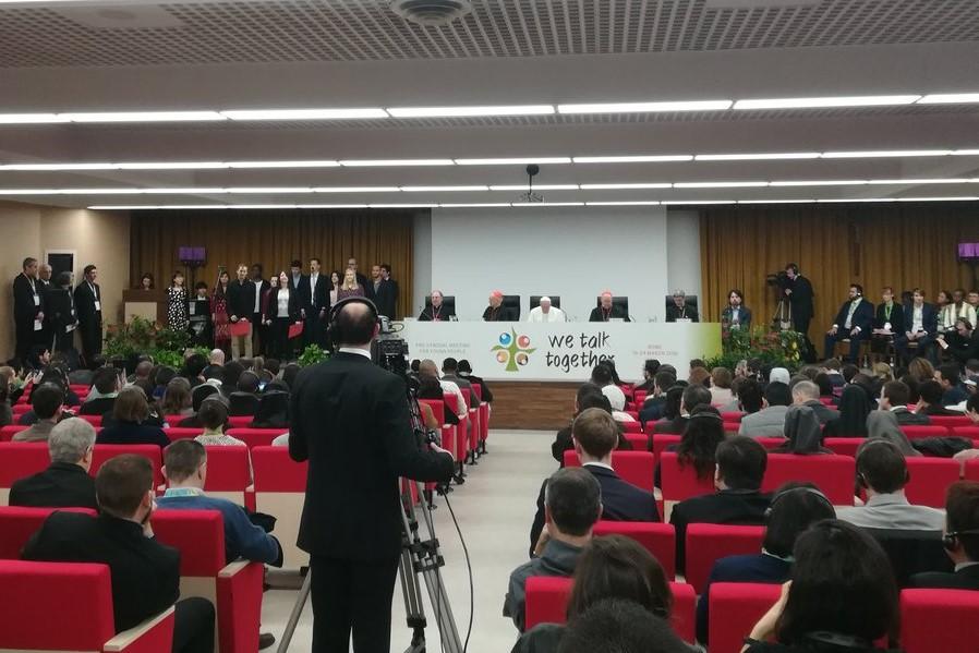 Vaticano: Papa inaugura inédita reunião pré-sinodal com jovens de todo o mundo, crentes e não-crentes