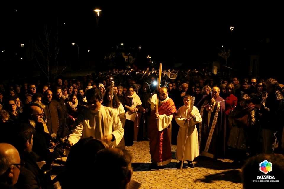 Semana Santa: Centenas de pessoas viveram Via-Sacra nas ruas da Guarda