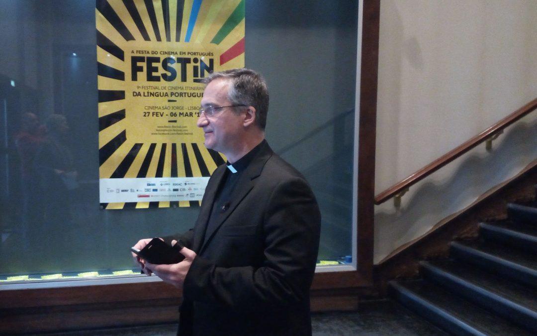 Vaticano: Homem do Papa para os media diz que desafio é colocar as pessoas no «meio» da história