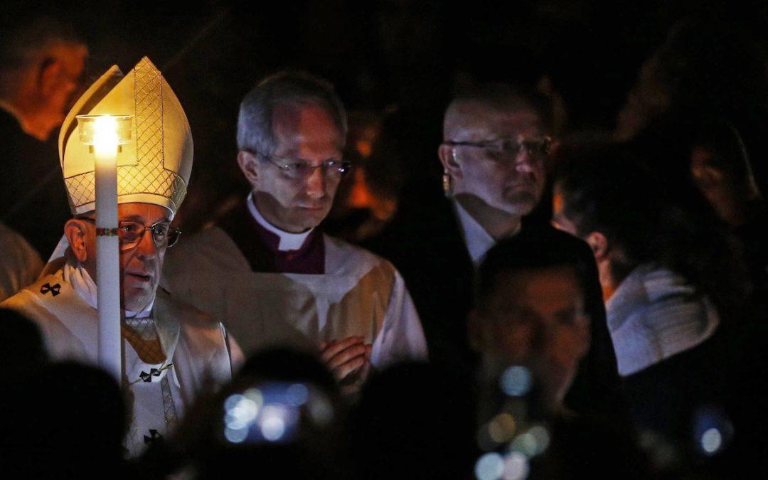 Páscoa: Ressurreição é «a base e a força» dos cristãos para procurar «caminhos de dignidade»