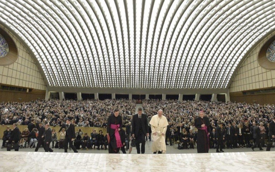 Vaticano: Papa destaca a «missão» dos enfermeiros e homenageia quem lhe salvou a vida