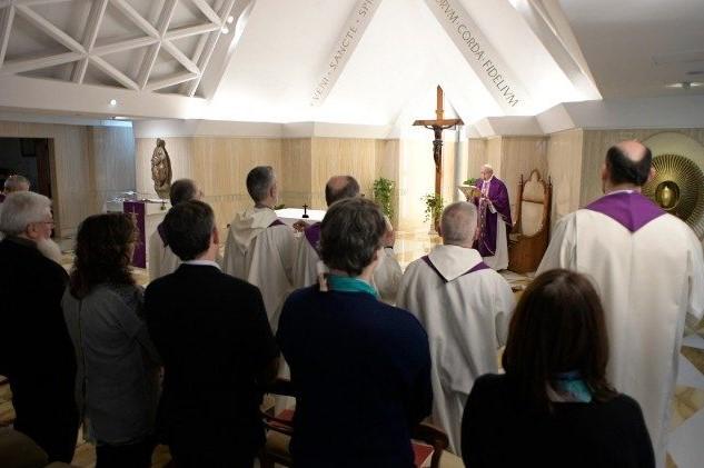 Vaticano: Papa Francisco pediu que se olhe para o crucifixo nas dificuldades da vida
