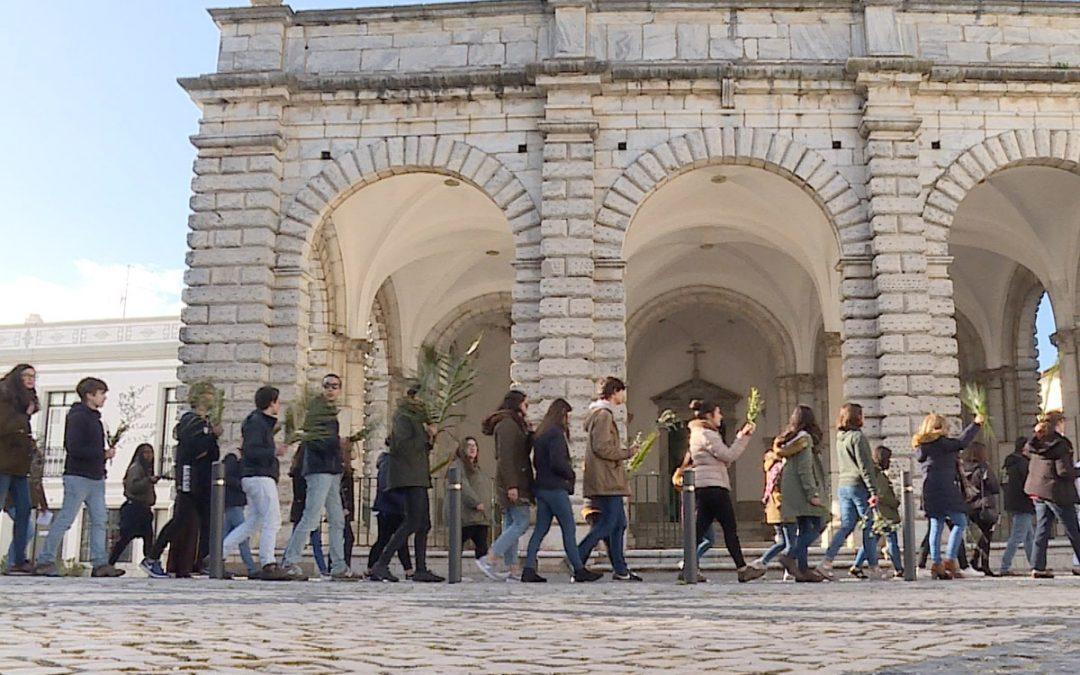 Beja: Jovens assinalaram a jornada diocesana da juventude nas ruas da cidade