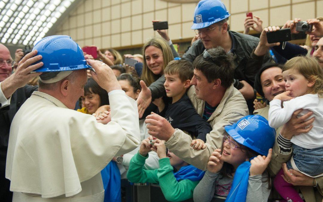 Vaticano: Papa Francisco critica políticas laborais que criam «novos excluídos»