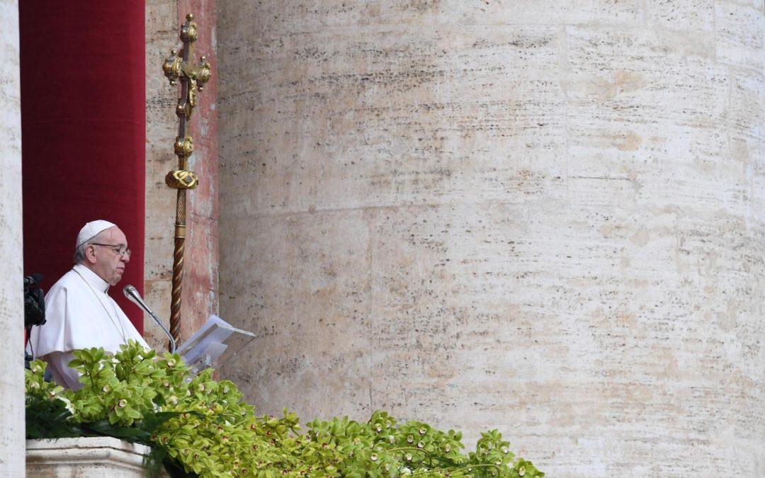 «Urbi et Orbi»: Papa denuncia «extermínio» na Síria