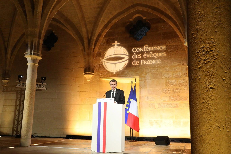 Presidente francês condena