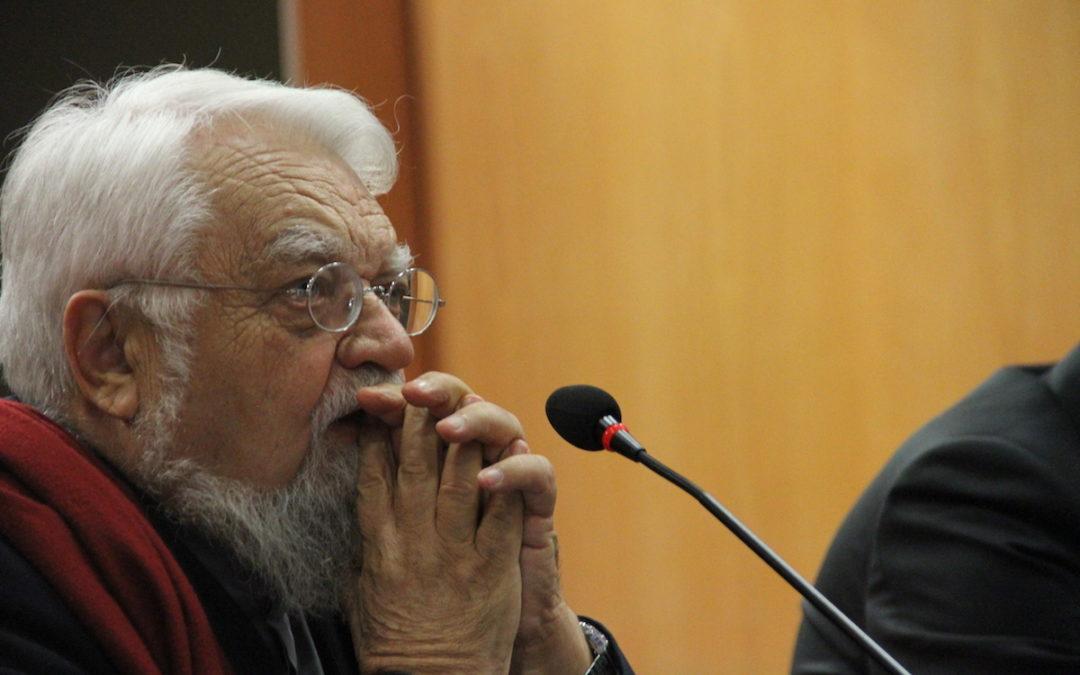 UCP: Um monge e um filósofo em diálogo para repensar o humanismo