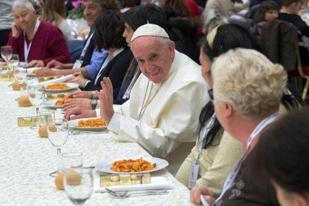 Vaticano: «Amar os mais pobres significa lutar contra todas as formas de pobreza, espirituais e materiais» – Papa Francisco