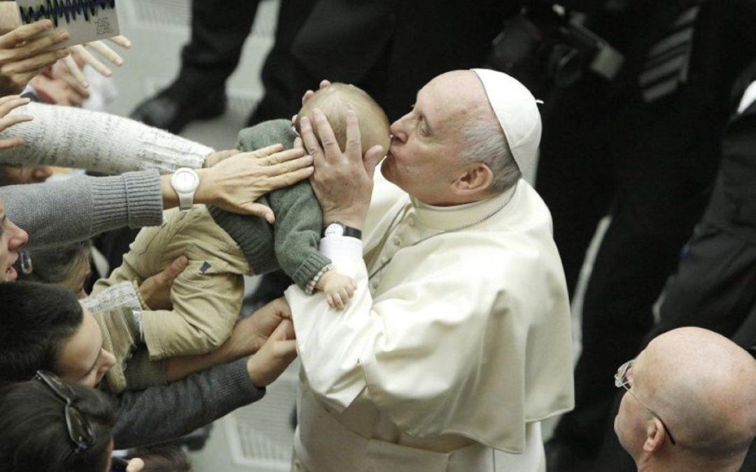 Igreja/Saúde: Vaticano apela a «um maior empenho» na inclusão social de quem sofre de autismo
