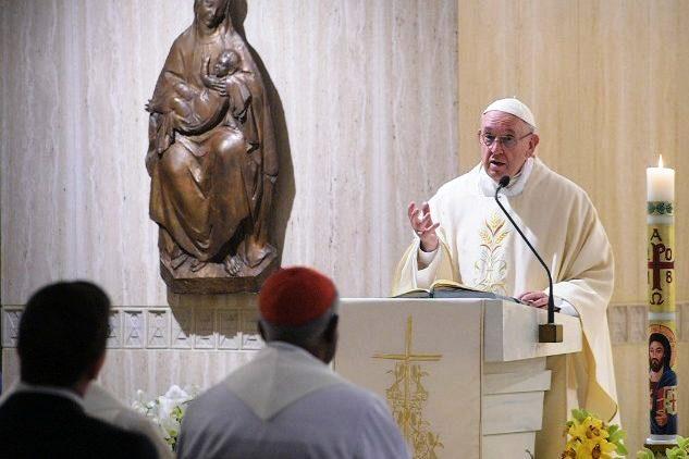 Vaticano: Papa alerta para fé «interesseira» que procura apenas os milagres