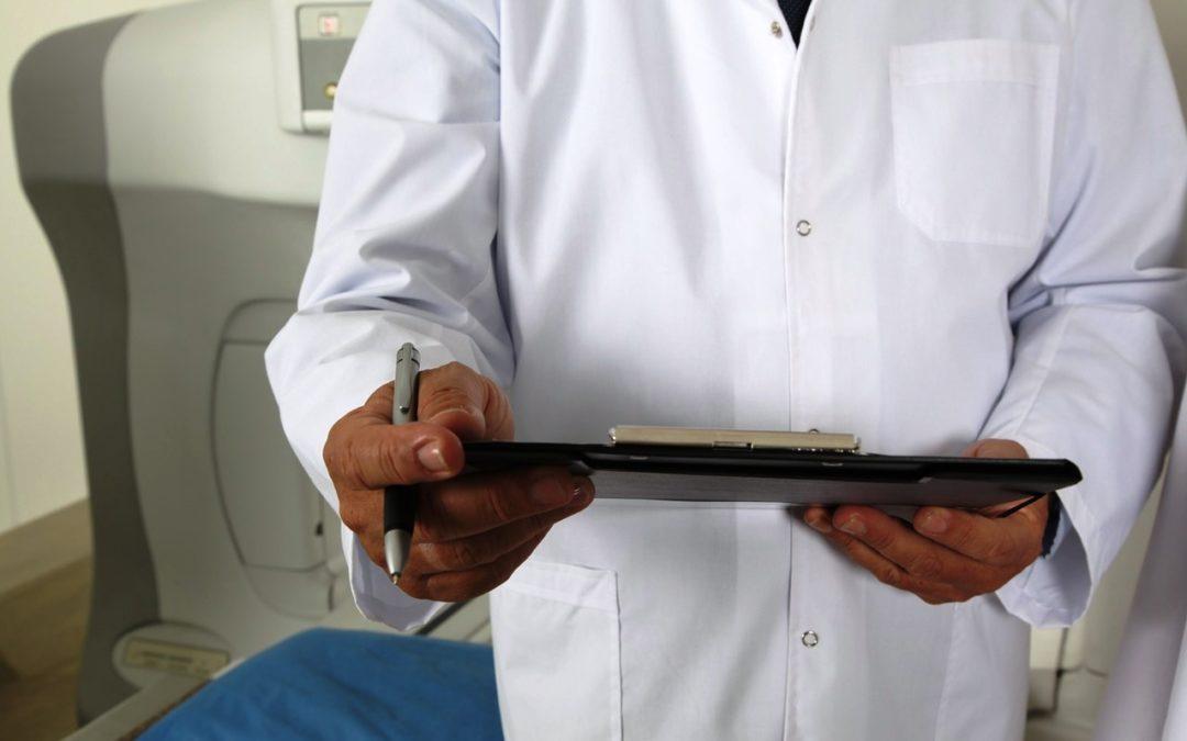 Saúde: Associação dos Médicos Católicos Portugueses pede medidas de conciliação Trabalho-Família e fala em «monstro» do trabalho extraordinário nas Urgências