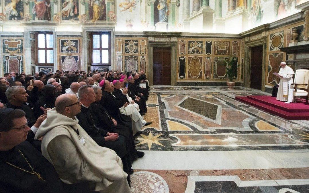 Vaticano: Papa pede a beneditinos que sejam «oásis» de espiritualidade