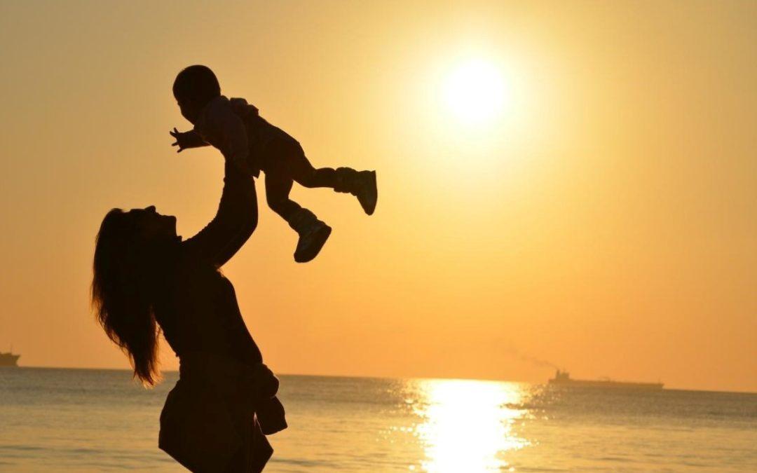 Dia da Mãe: Igreja Católica em Portugal destaca importância de «apoiar e proteger o dom da maternidade»