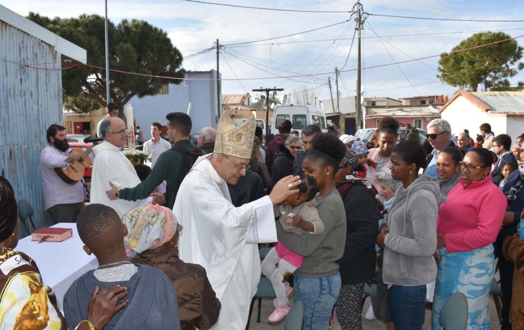 Setúbal: Bispo celebrou Missa da Ressurreição no Bairro do 2.º Torrão e destacou a importância do acesso a «casas dignas e emprego»
