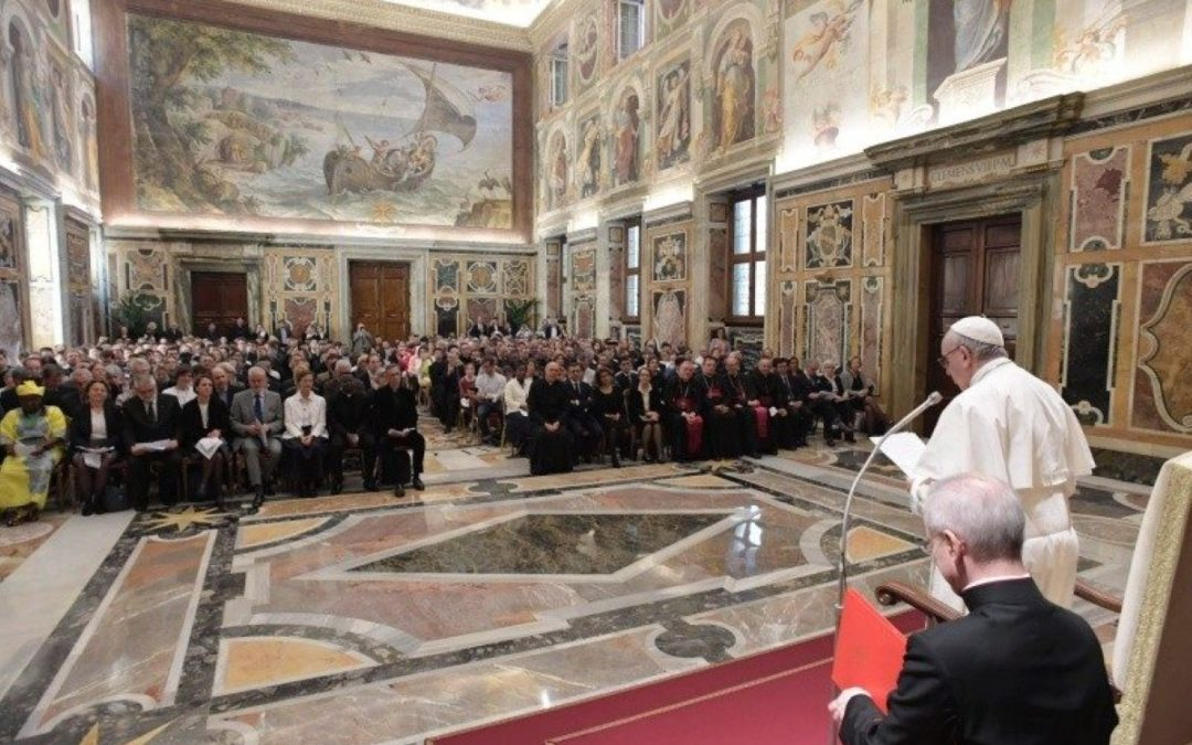 Vaticano: Papa realça sociedade que precisa de «encontrar caminho de volta» para Deus