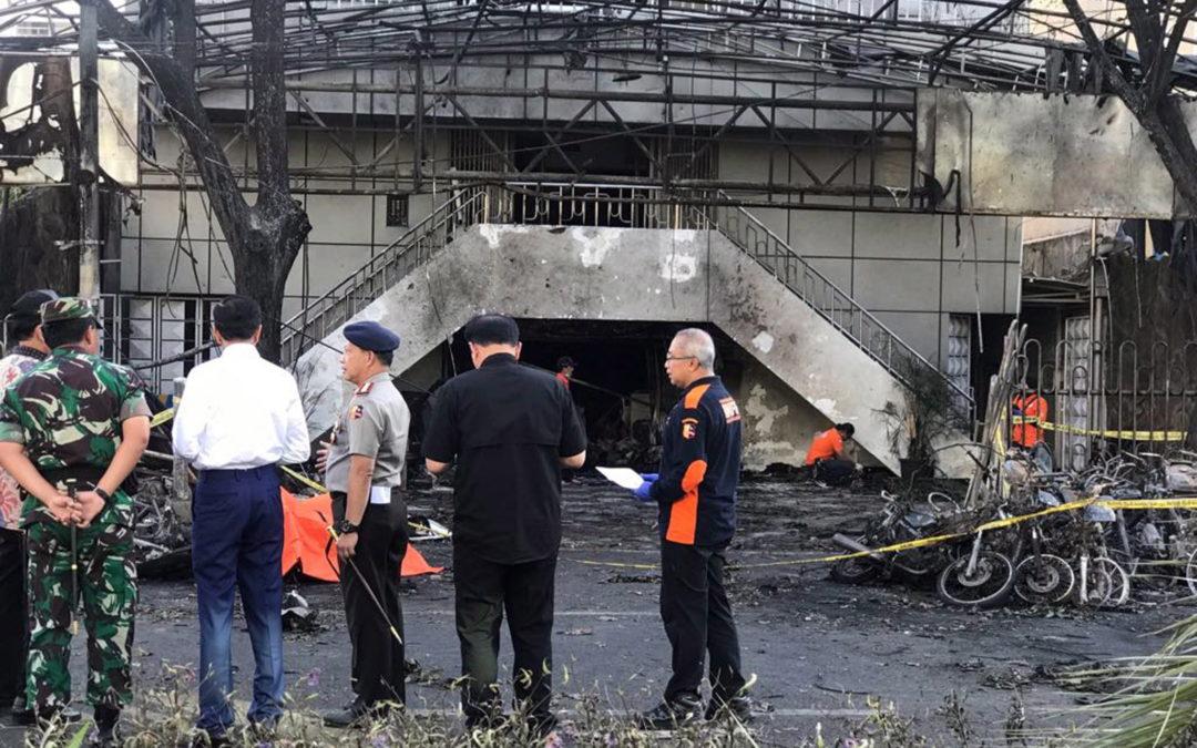 Vaticano: Papa condena «grave ataque» contra igrejas na Indonésia