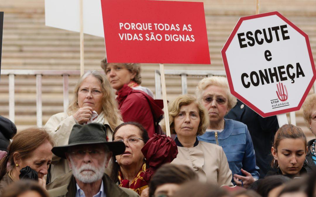 Eutanásia: Assembleia debate despenalização, contestada pelas religiões e movimentos cívicos