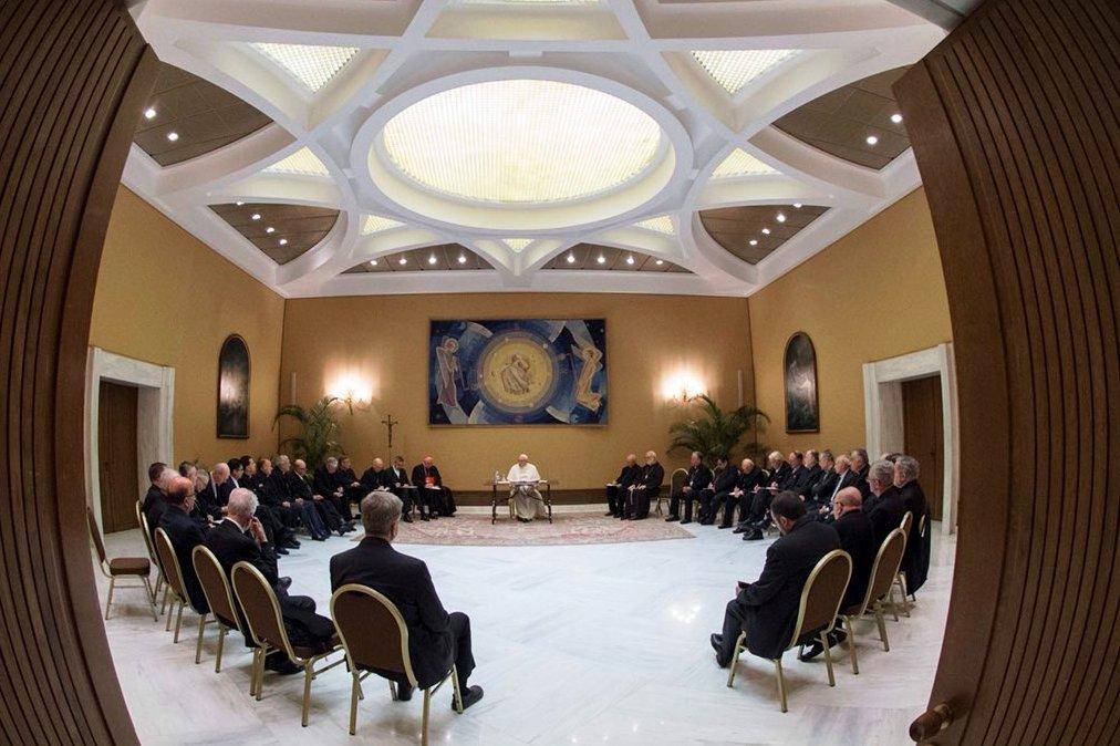 Vaticano: Papa inicia reuniões com bispos chilenos para debater questão dos abusos