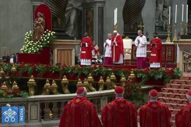 Vaticano: Papa assinala solenidade de Pentecostes com apelo à santidade