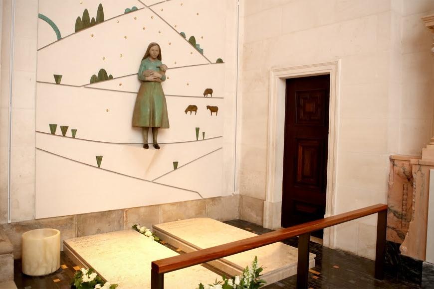Igreja/Arte: Faleceu a escultora Clara Menéres (1943-2018)