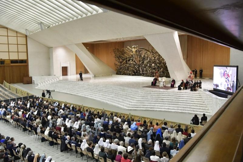 Viva Consagrada: Papa indica as «opções radicais» da oração, pobreza e paciência