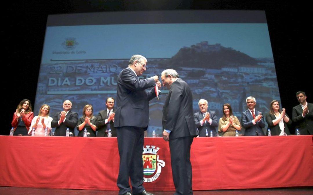 Consistório 2018: Novo cardeal foi distinguido com a medalha de ouro do município de Leiria