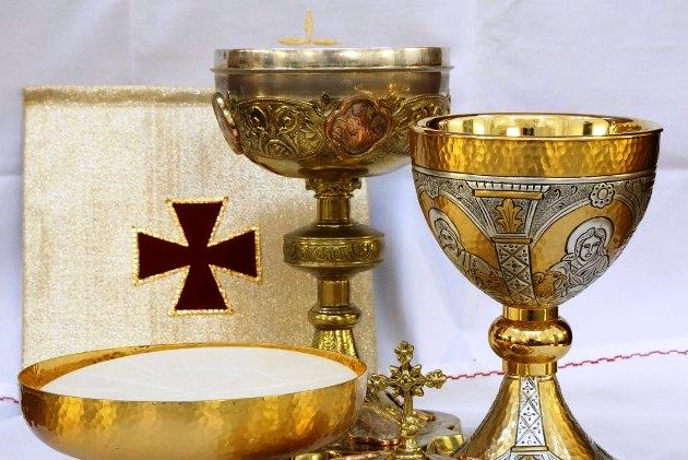 Vaticano: Papa pede aos bispos alemães que encontrem «solução unânime» para Comunhão nos casamentos mistos