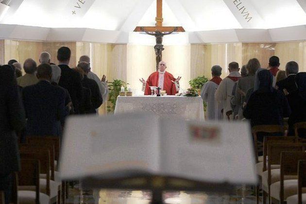 Vaticano: Papa diz que a fé se transmite com amor e testemunho
