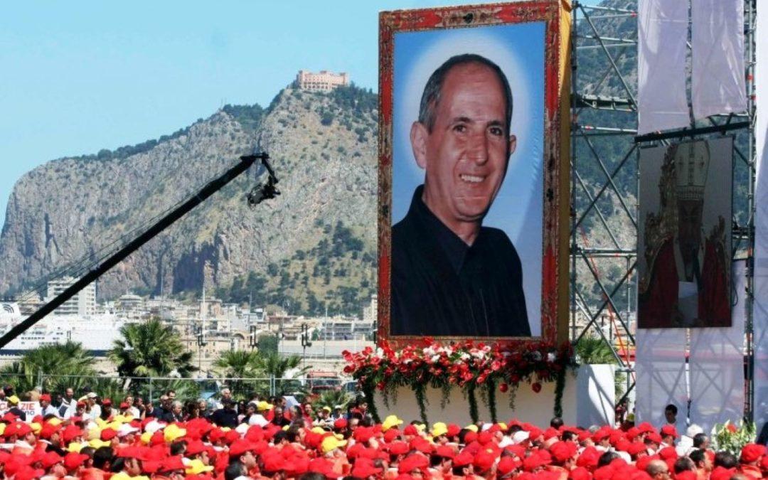 Itália: Papa visita Palermo para homenagear memória de padre morto pela Máfia
